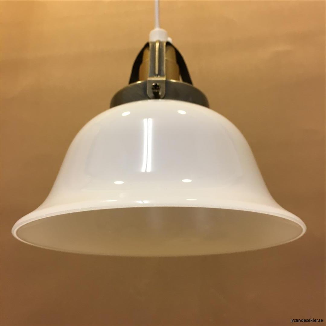 fönsterlampa vit plastsladd med tak- eller väggkontakt (25)