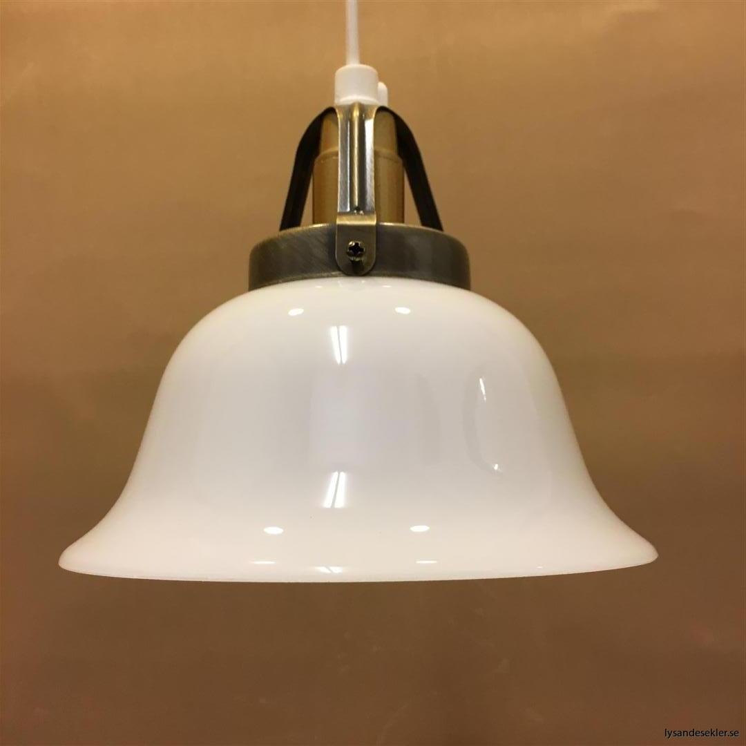 fönsterlampa vit plastsladd med tak- eller väggkontakt (24)