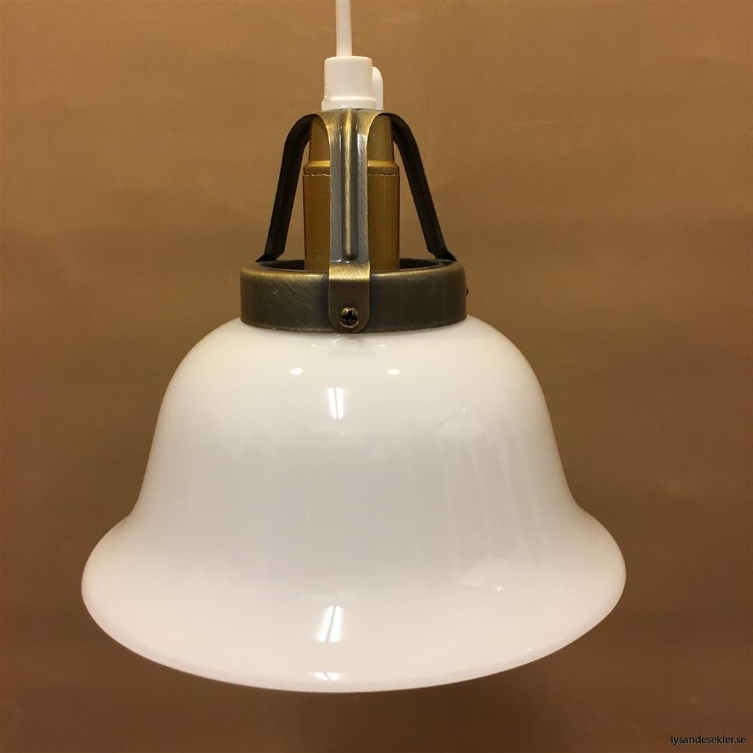 fönsterlampa vit plastsladd med tak- eller väggkontakt (23)