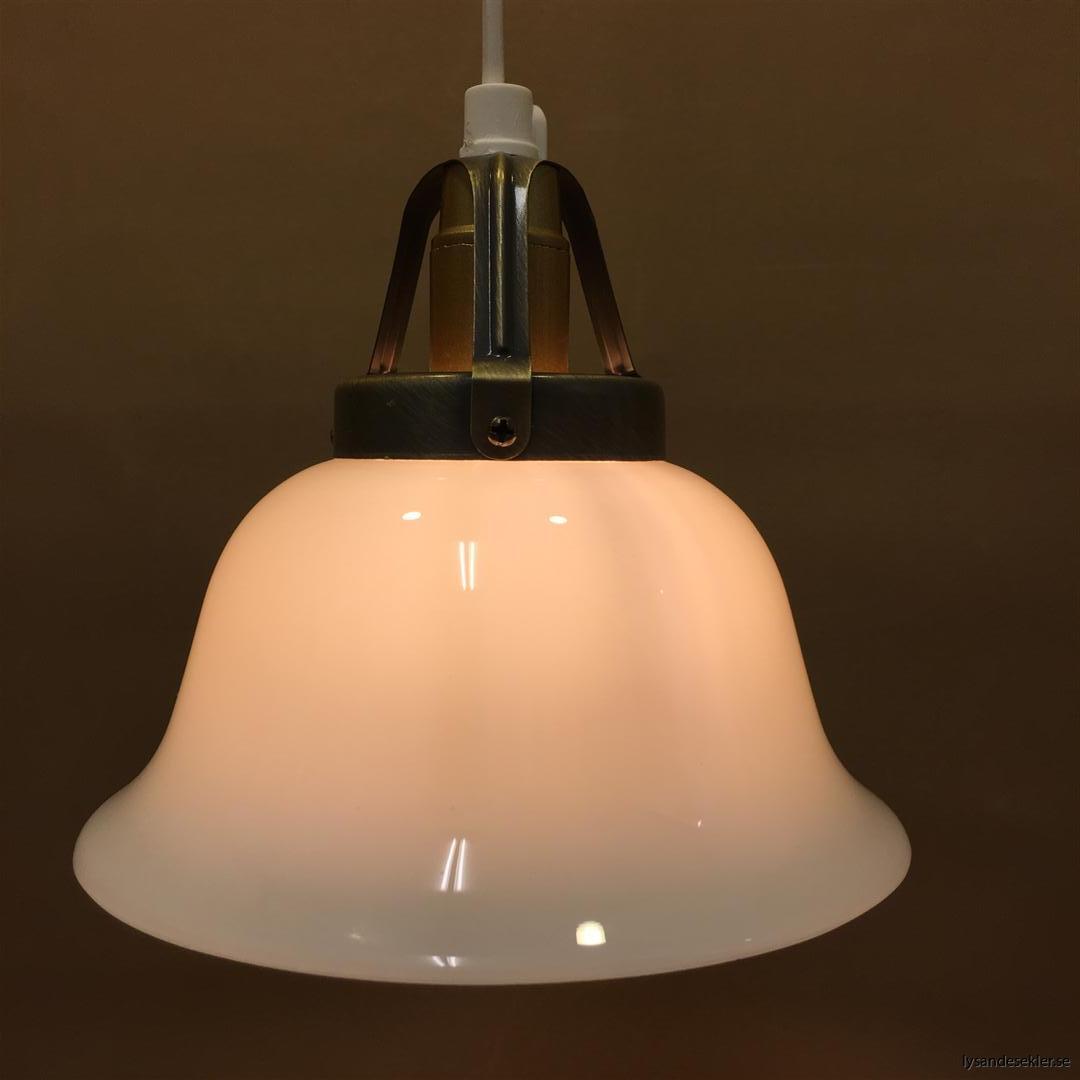 fönsterlampa vit plastsladd med tak- eller väggkontakt (27)