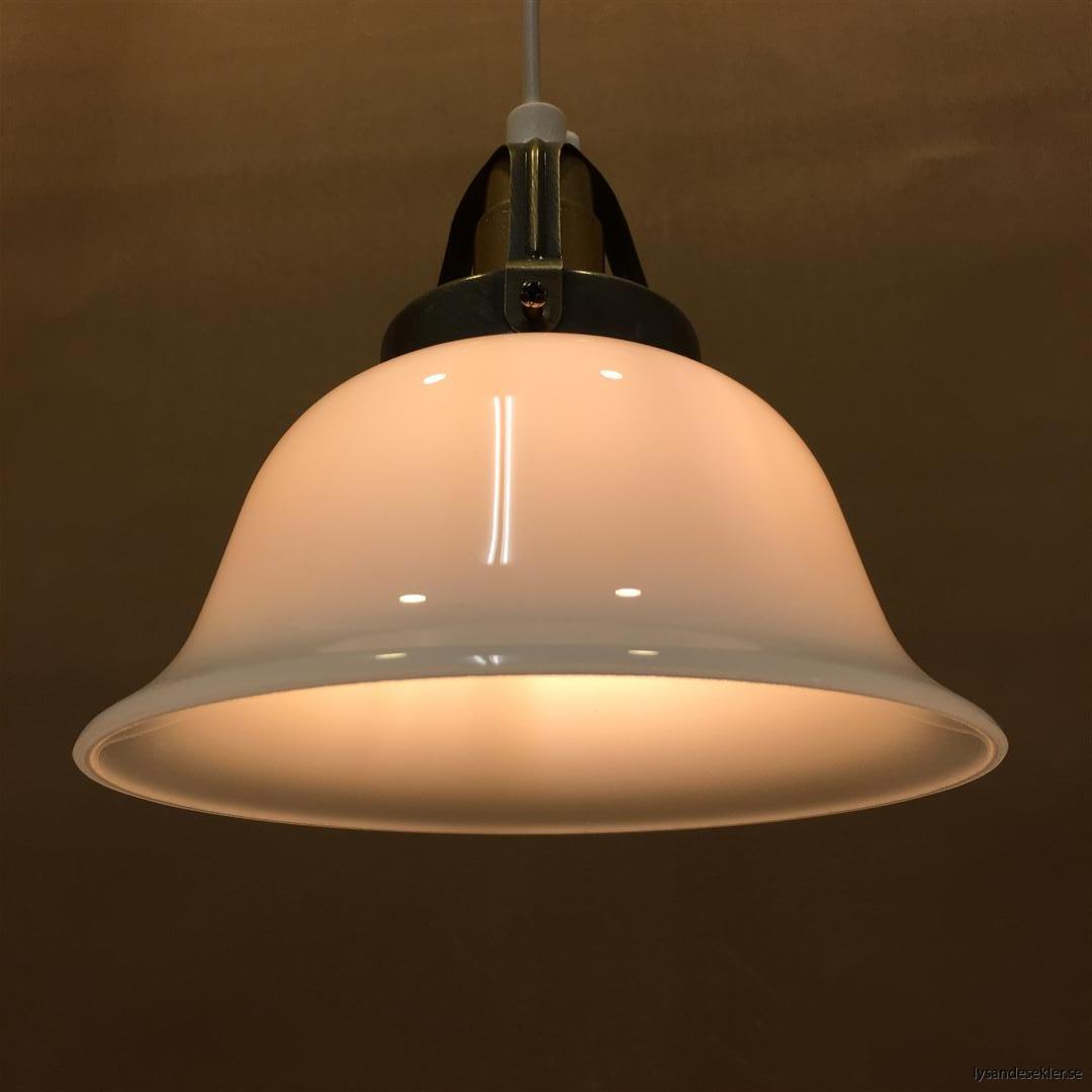 fönsterlampa vit plastsladd med tak- eller väggkontakt (28)