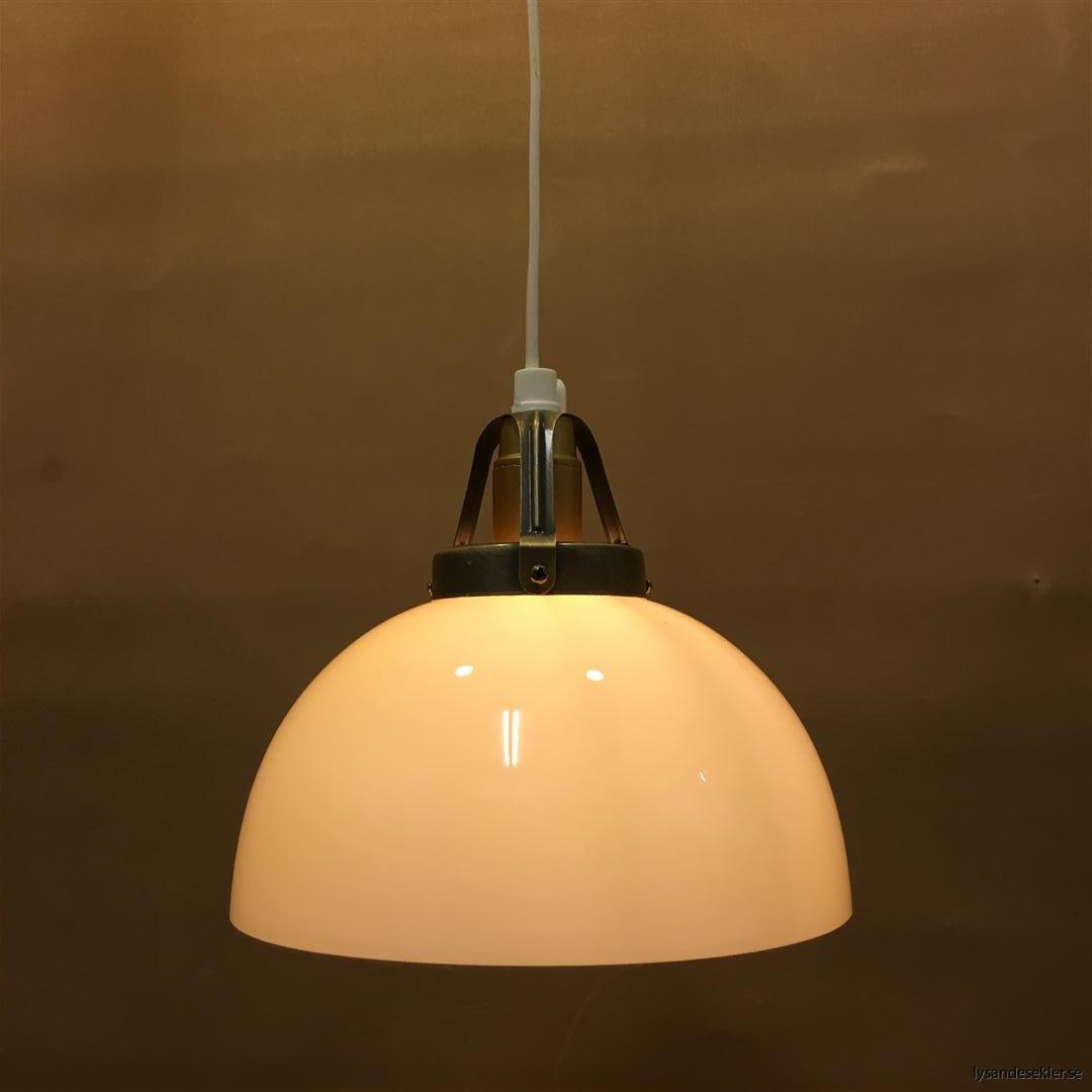 fönsterlampa vit plastsladd med tak- eller väggkontakt (41)