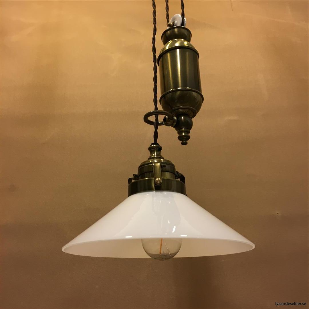 hisslampa elektrisk taklampa med hiss (137)