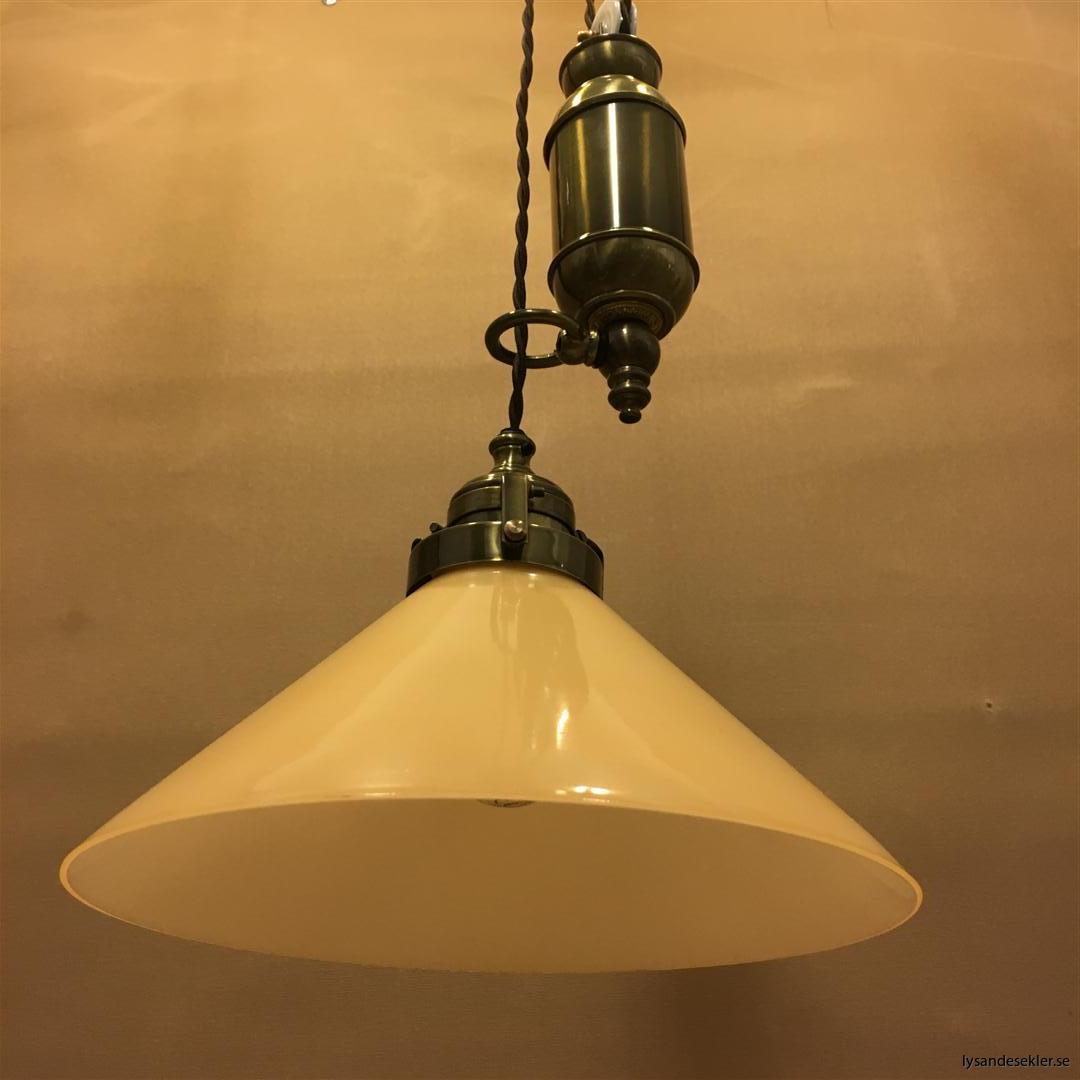 hisslampa elektrisk taklampa med hiss (111)