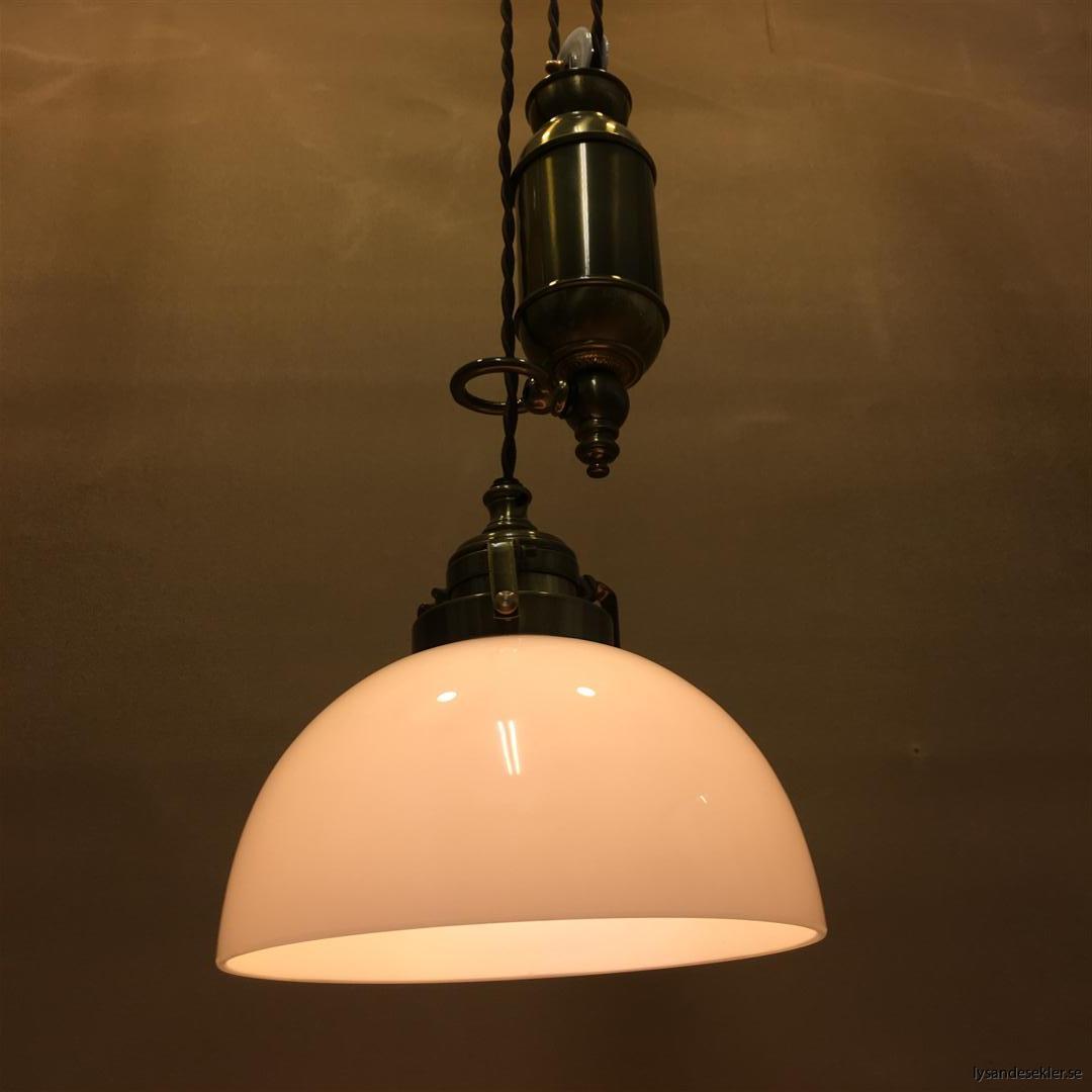 hisslampa elektrisk taklampa med hiss (133)