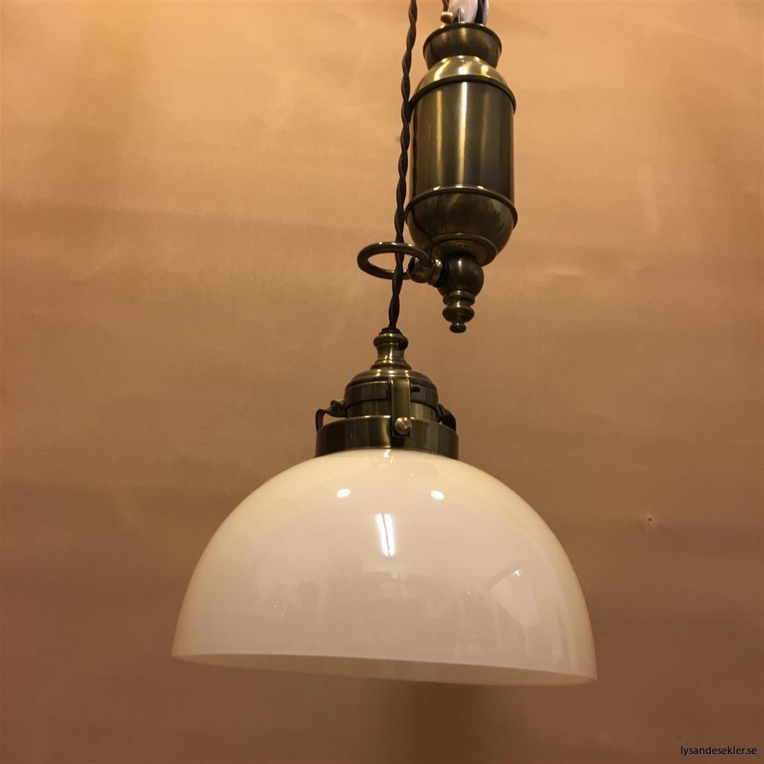 hisslampa elektrisk taklampa med hiss (118)