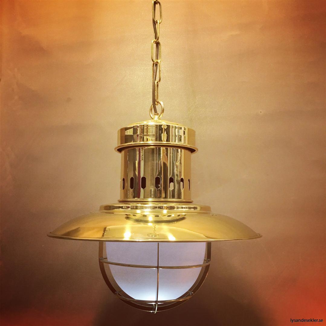 fishermans lamp fiskarelampan stor gallerarmatur lackad mässing vit skärm frostat glas (8)
