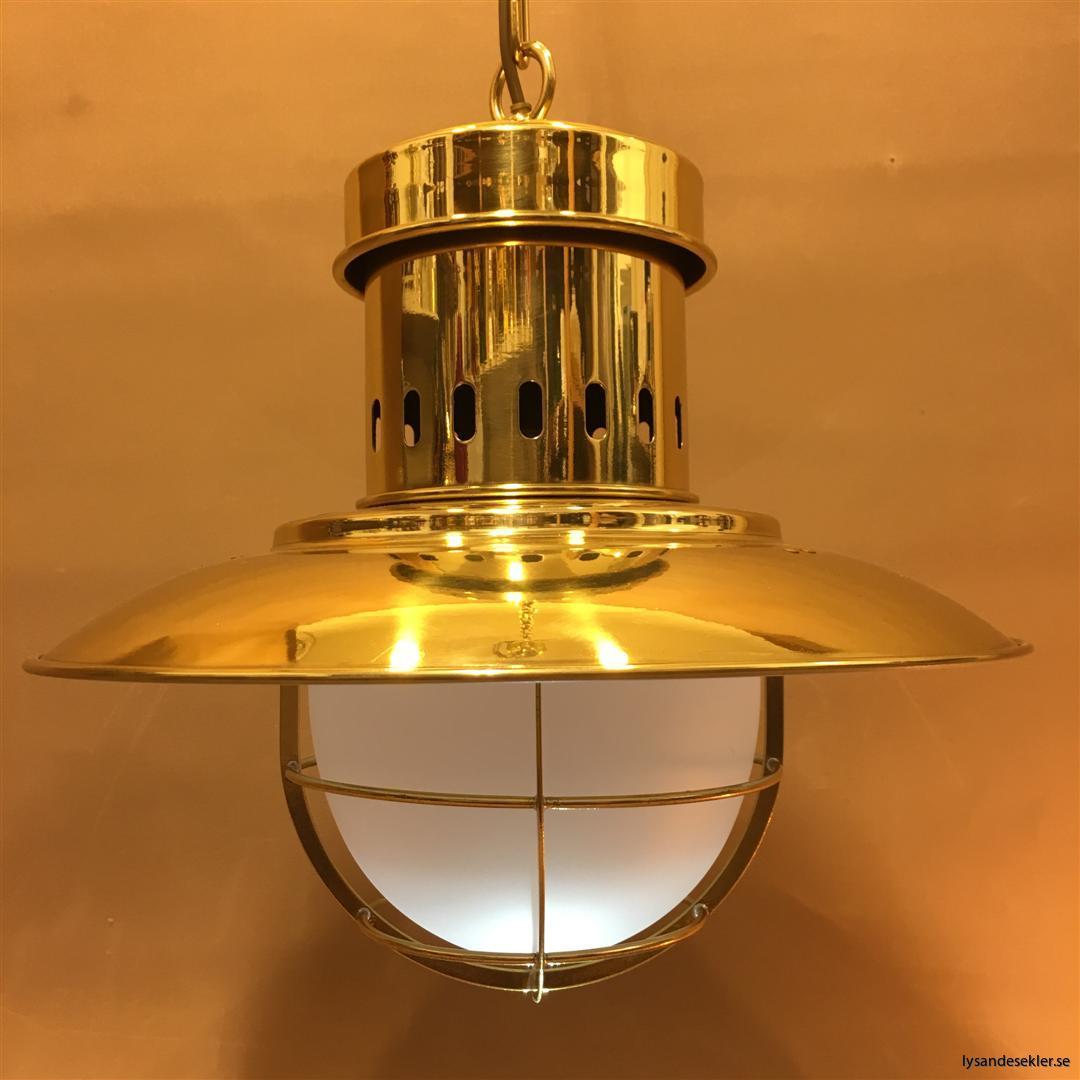 fishermans lamp fiskarelampan stor gallerarmatur lackad mässing vit skärm frostat glas (5)