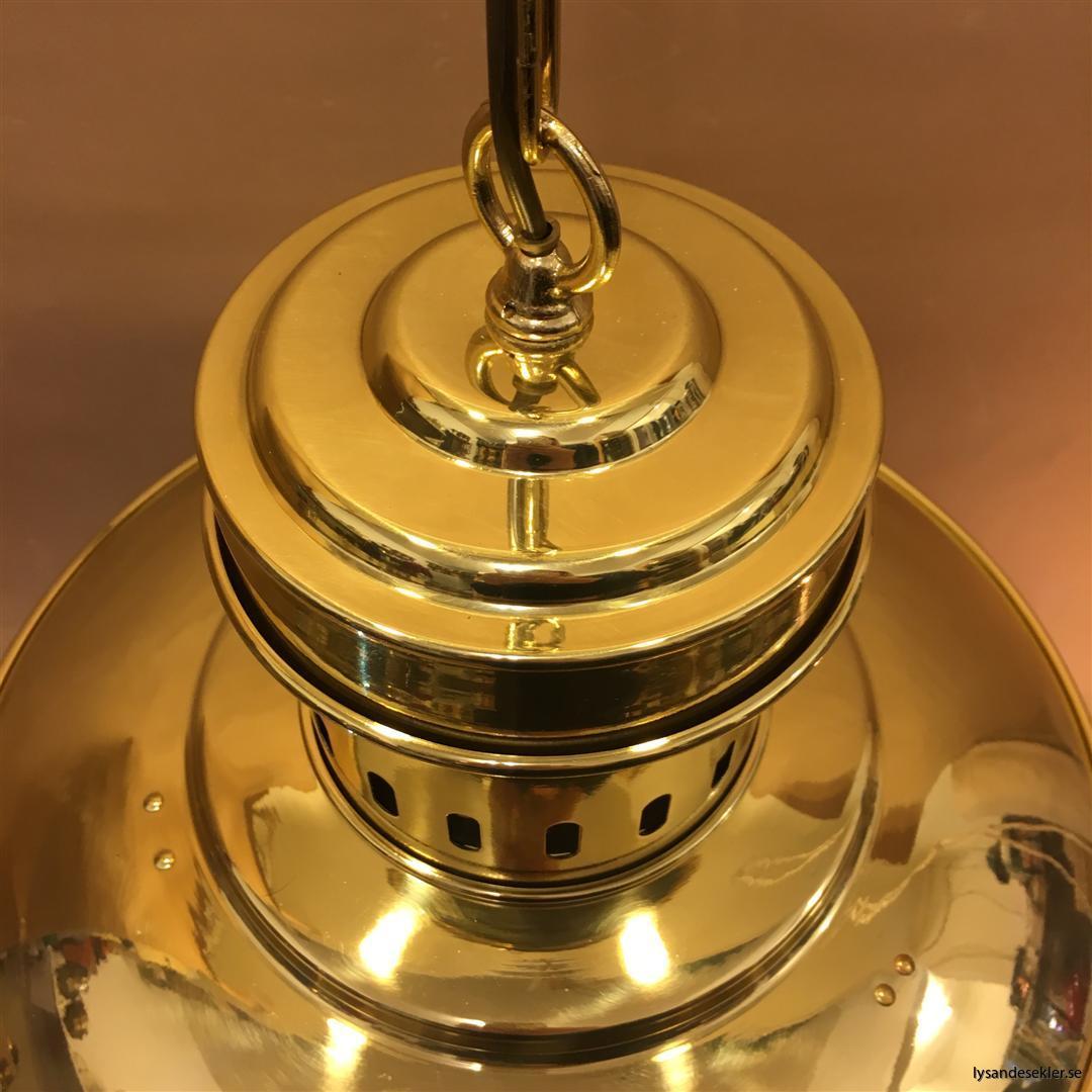 fishermans lamp fiskarelampan stor gallerarmatur lackad mässing vit skärm frostat glas (11)