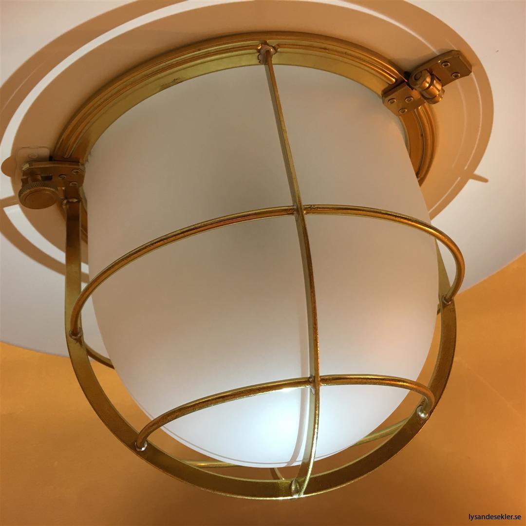 fishermans lamp fiskarelampan stor gallerarmatur lackad mässing vit skärm frostat glas (6)
