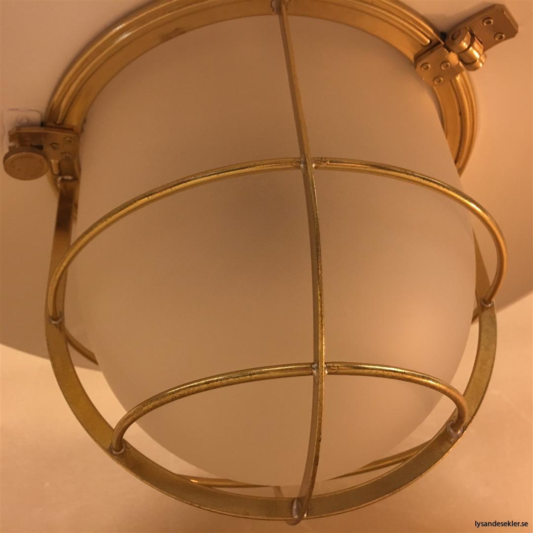 fishermans lamp fiskarelampan stor gallerarmatur lackad mässing vit skärm frostat glas (15)