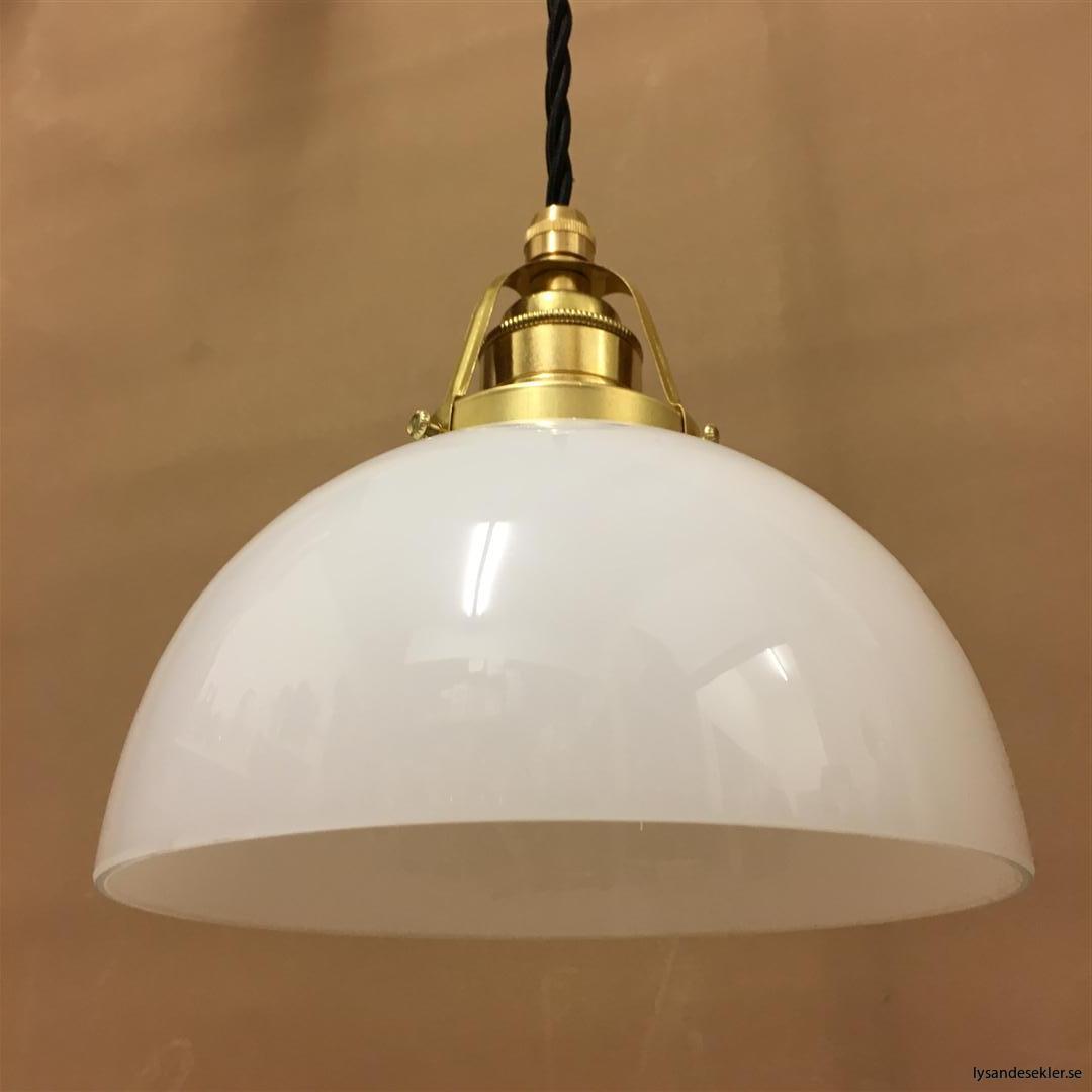 fönsterlampa i tygsladd mässing (24)