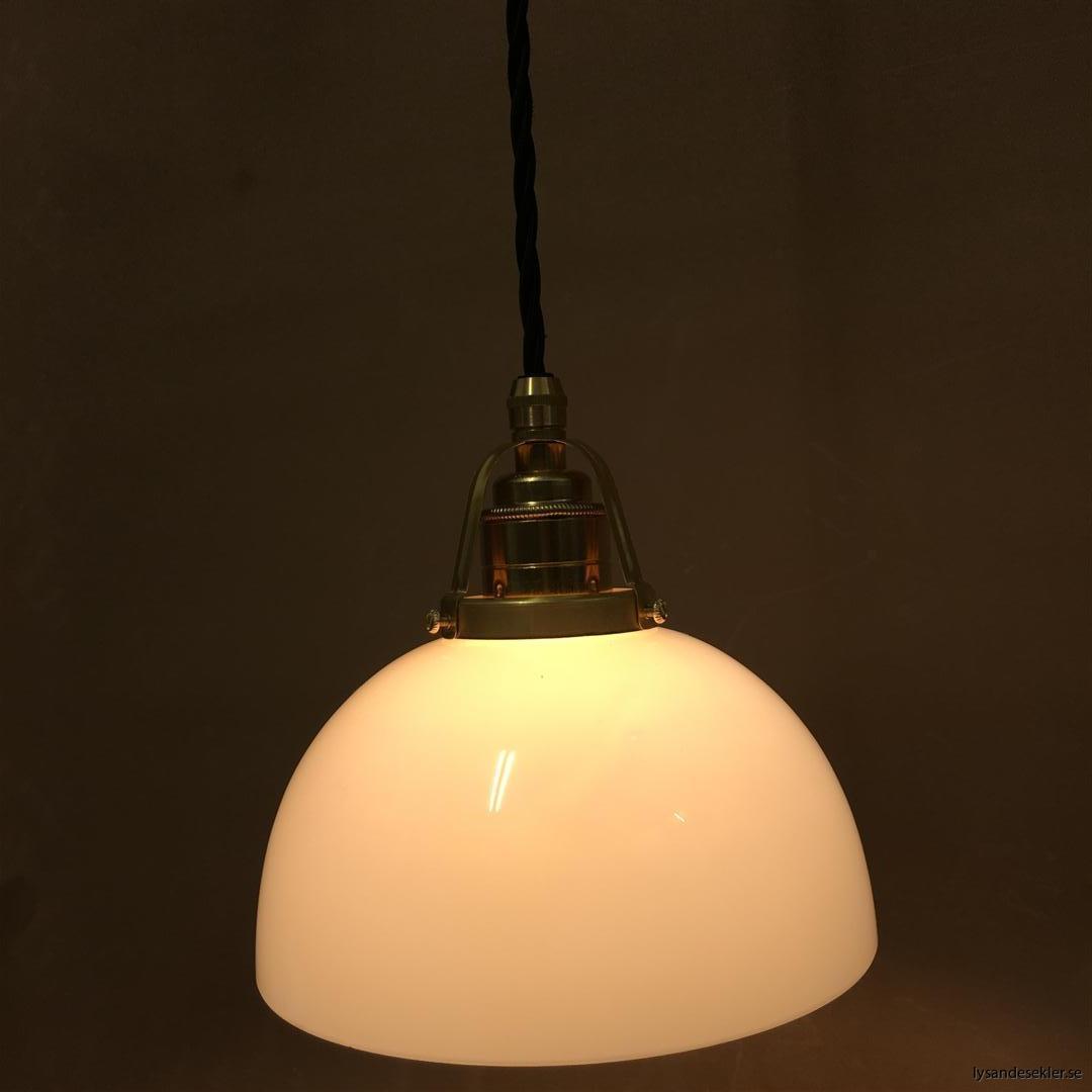 fönsterlampa i tygsladd mässing (26)