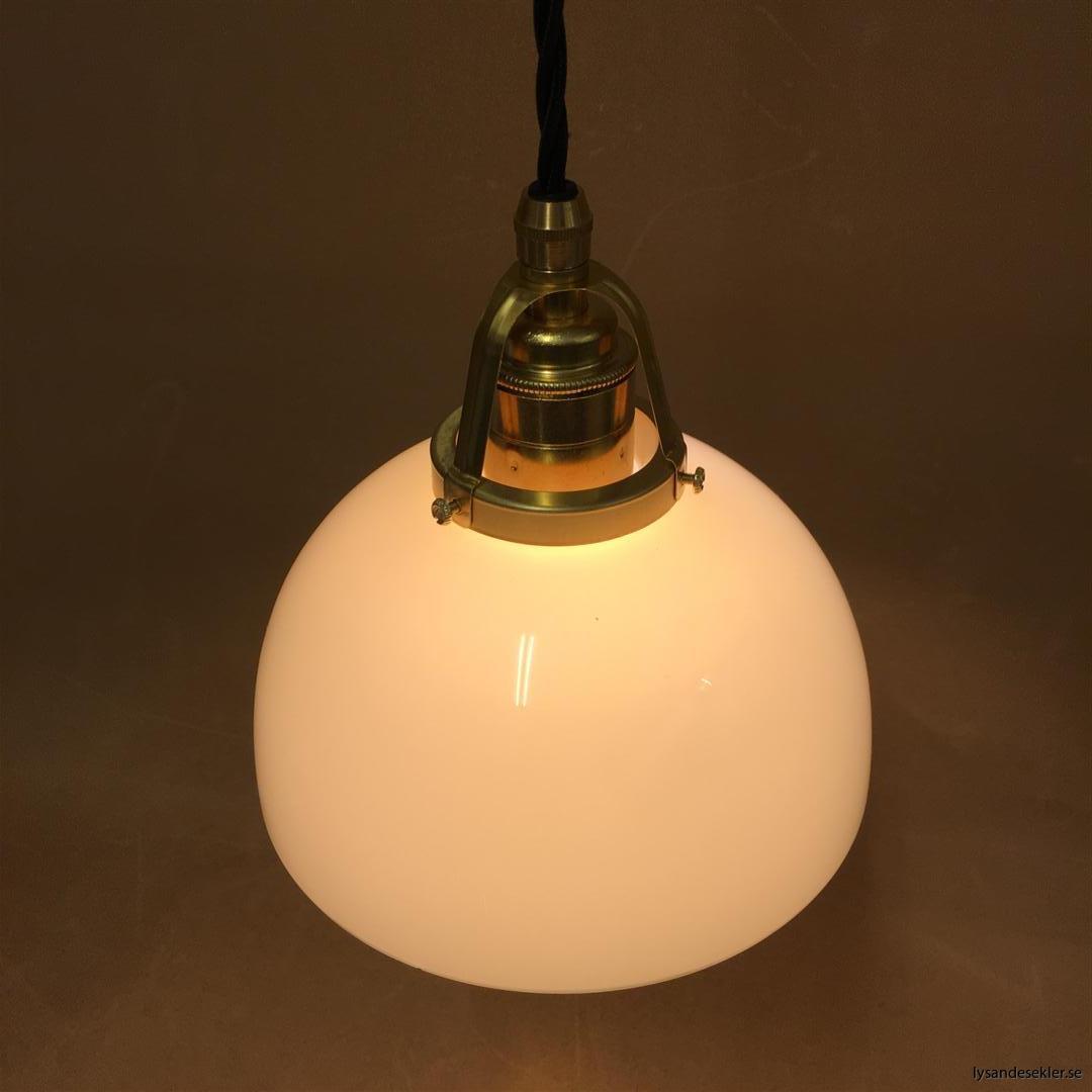 fönsterlampa i tygsladd mässing (27)
