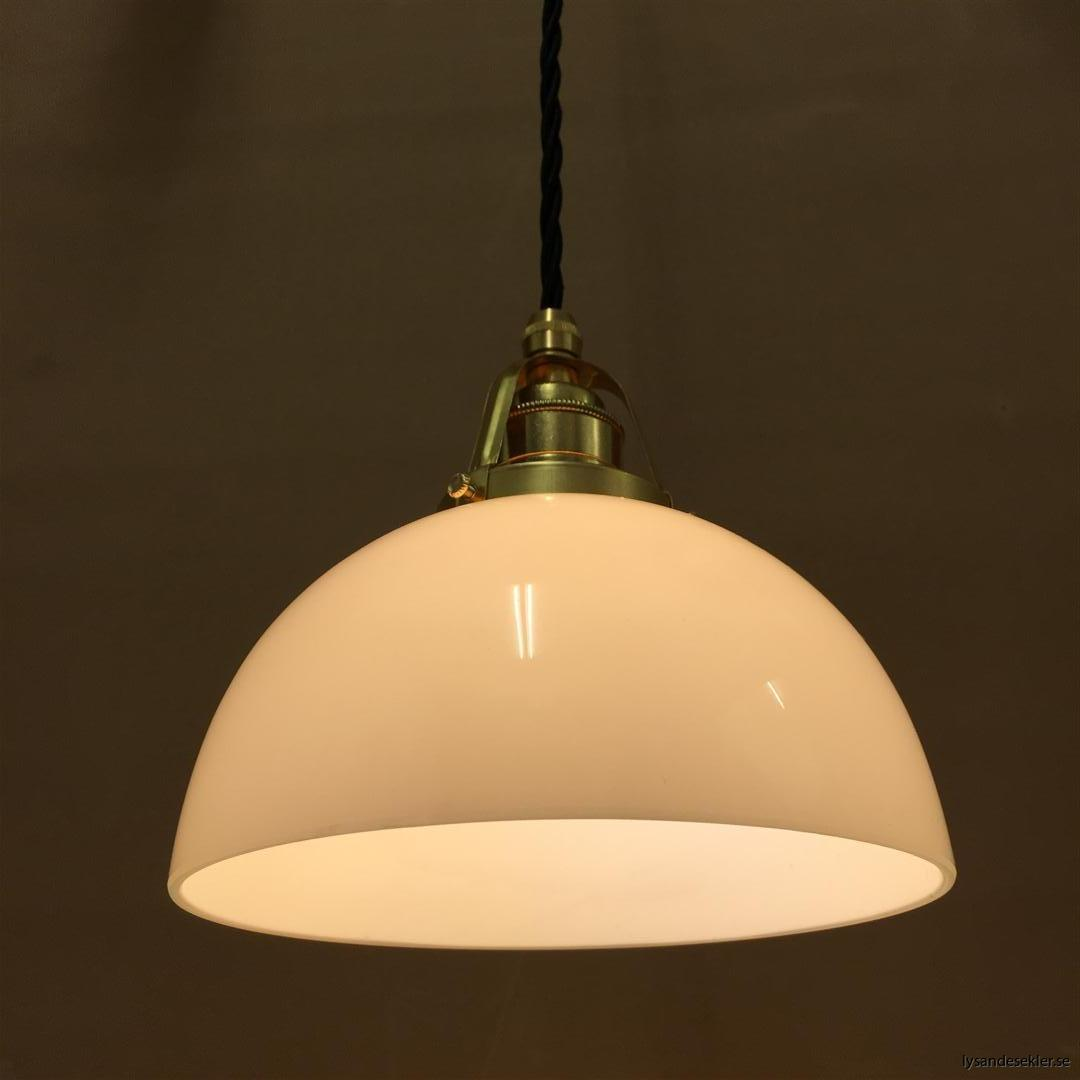 fönsterlampa i tygsladd mässing (28)