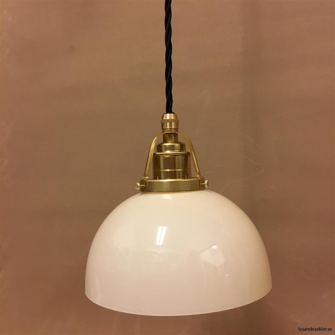 fönsterlampa i tygsladd mässing (53)