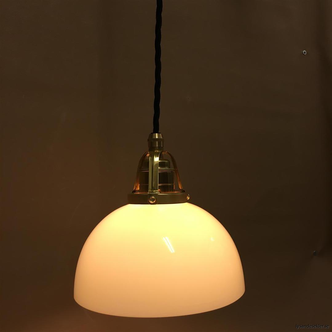 fönsterlampa i tygsladd mässing (59)