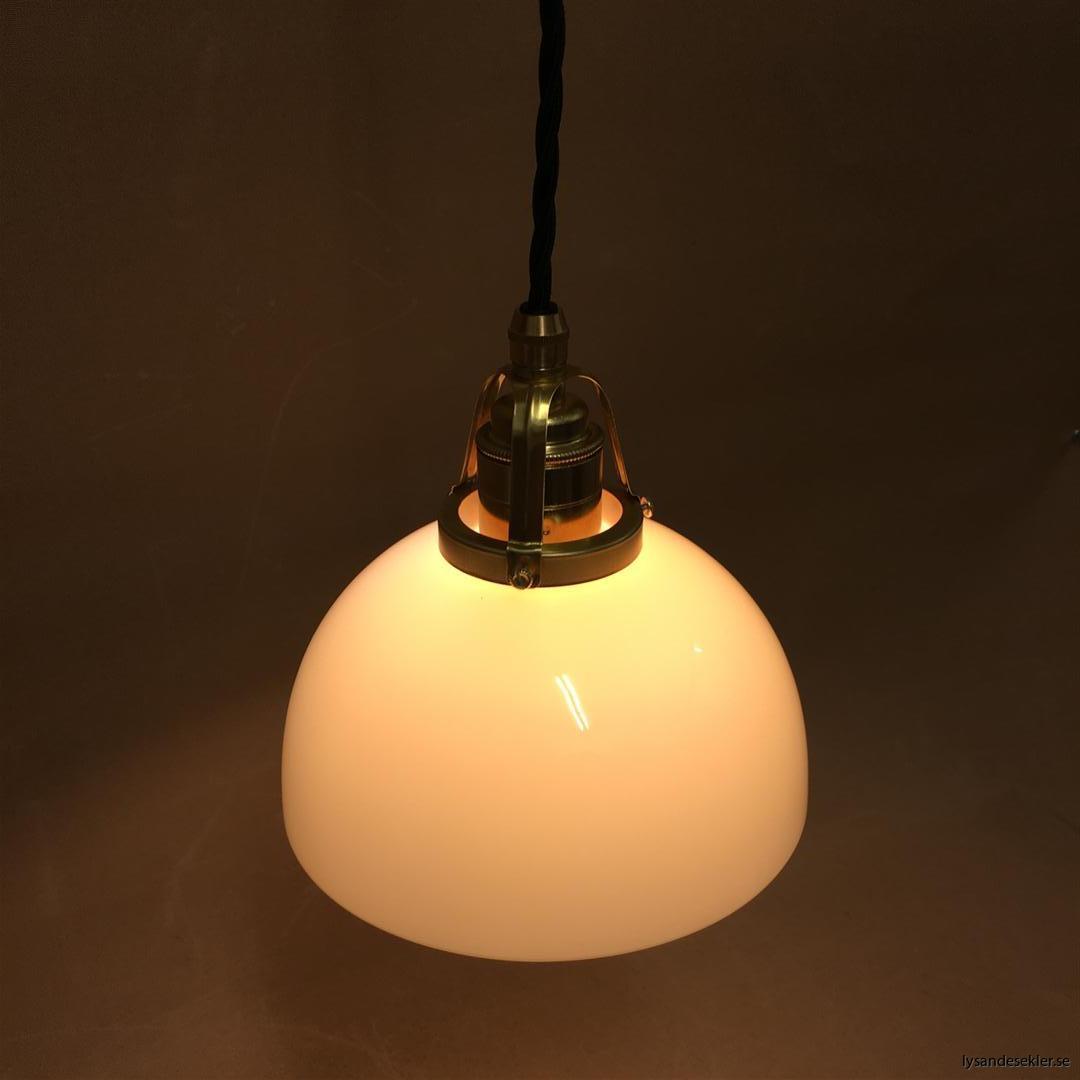 fönsterlampa i tygsladd mässing (60)