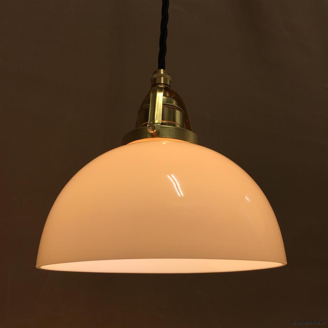 fönsterlampa i tygsladd mässing (61)