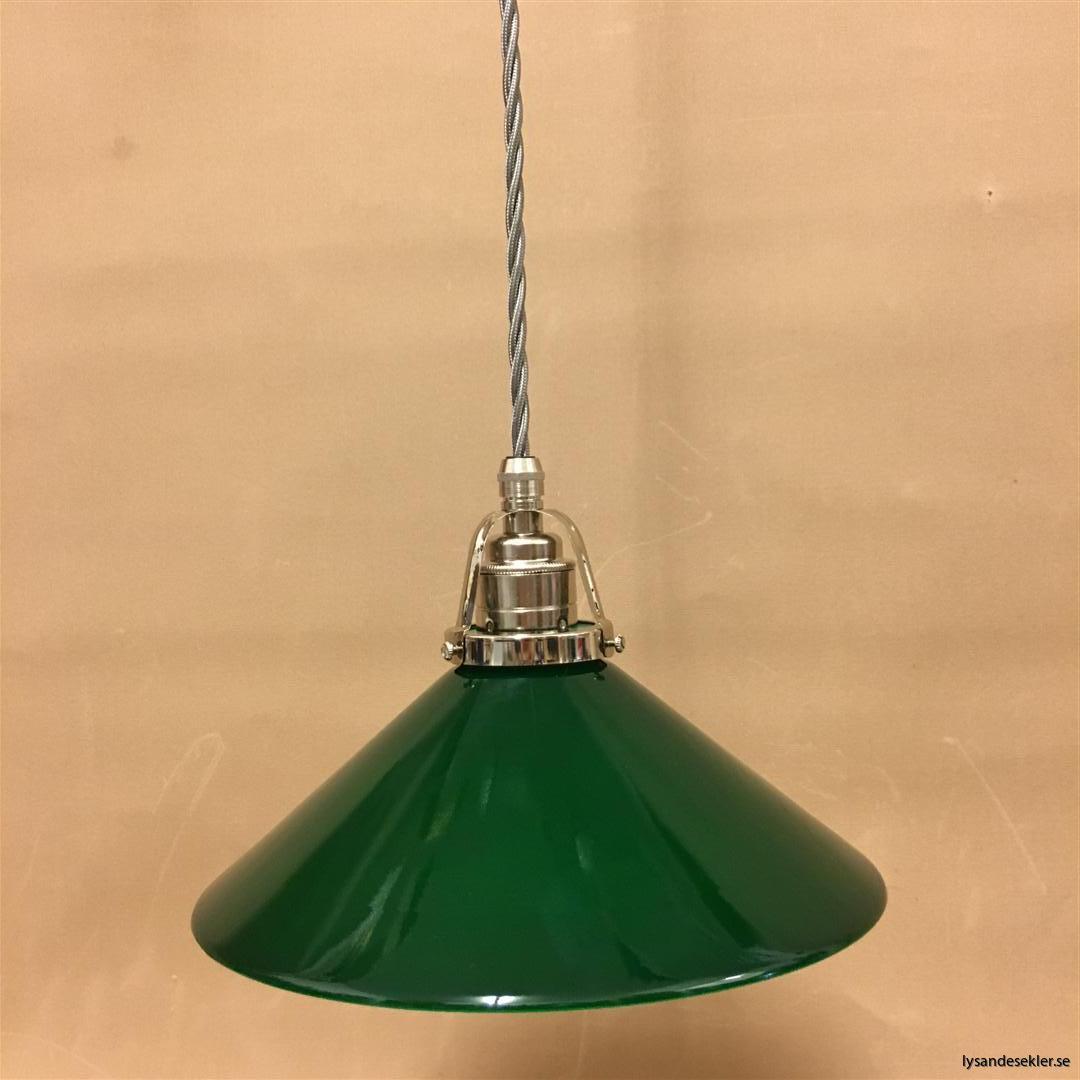 fönsterlampa i tygsladd nicklat fäste (1)