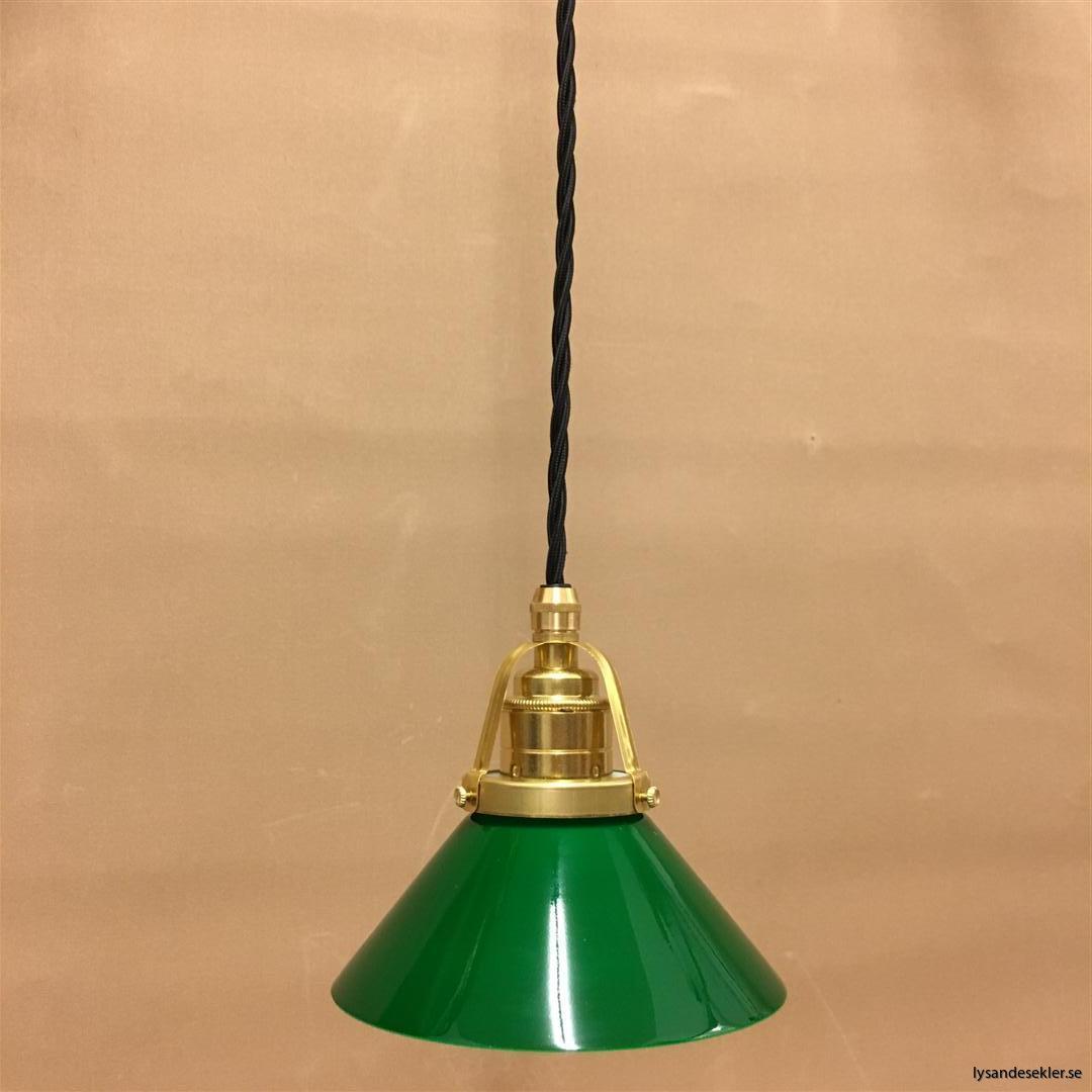 fönsterlampa i tygsladd mässing (1)
