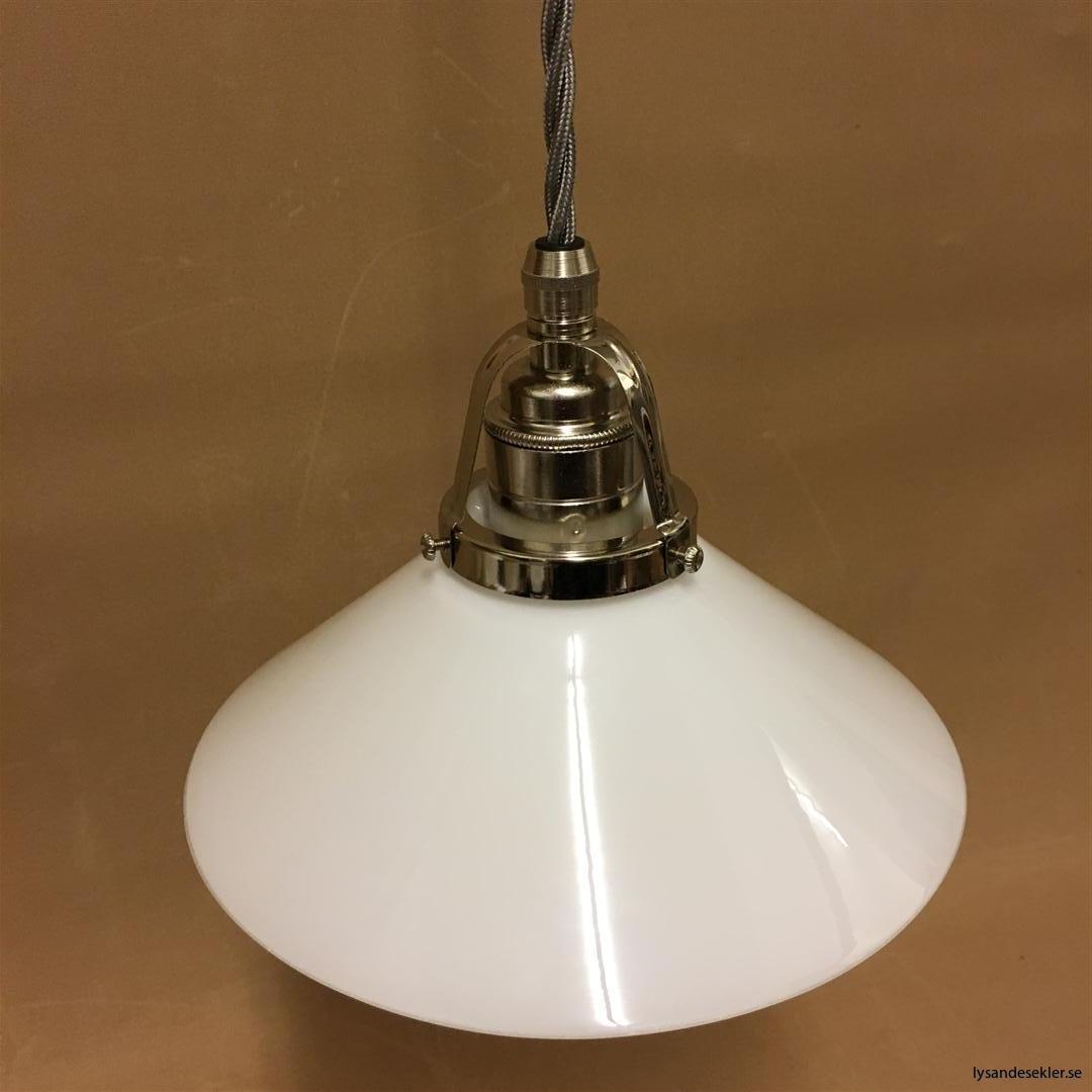 fönsterlampa i tygsladd nicklat fäste (121)