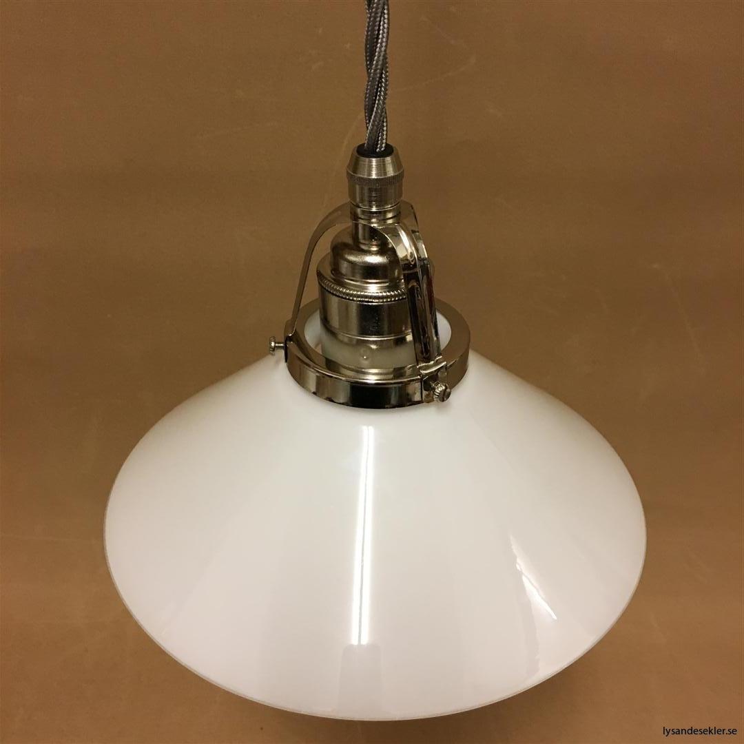 fönsterlampa i tygsladd nicklat fäste (126)