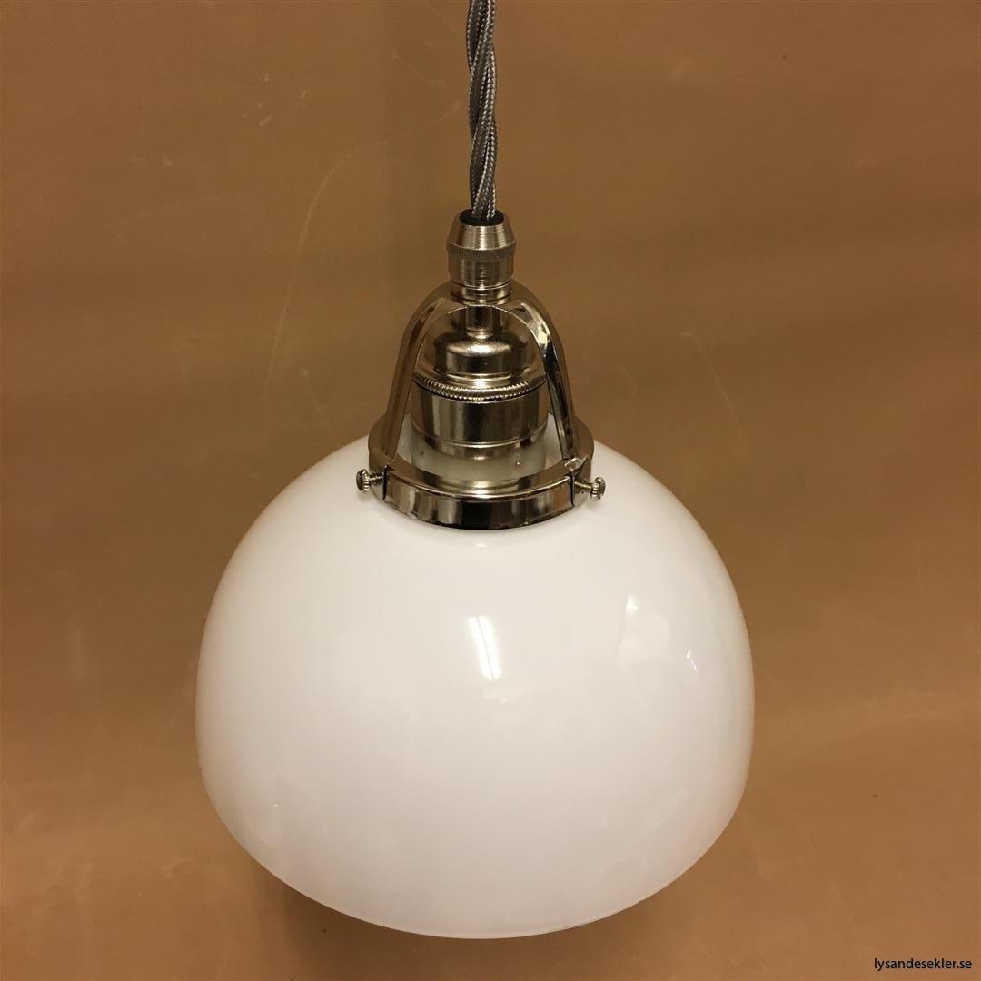 fönsterlampa i tygsladd nicklat fäste (103)