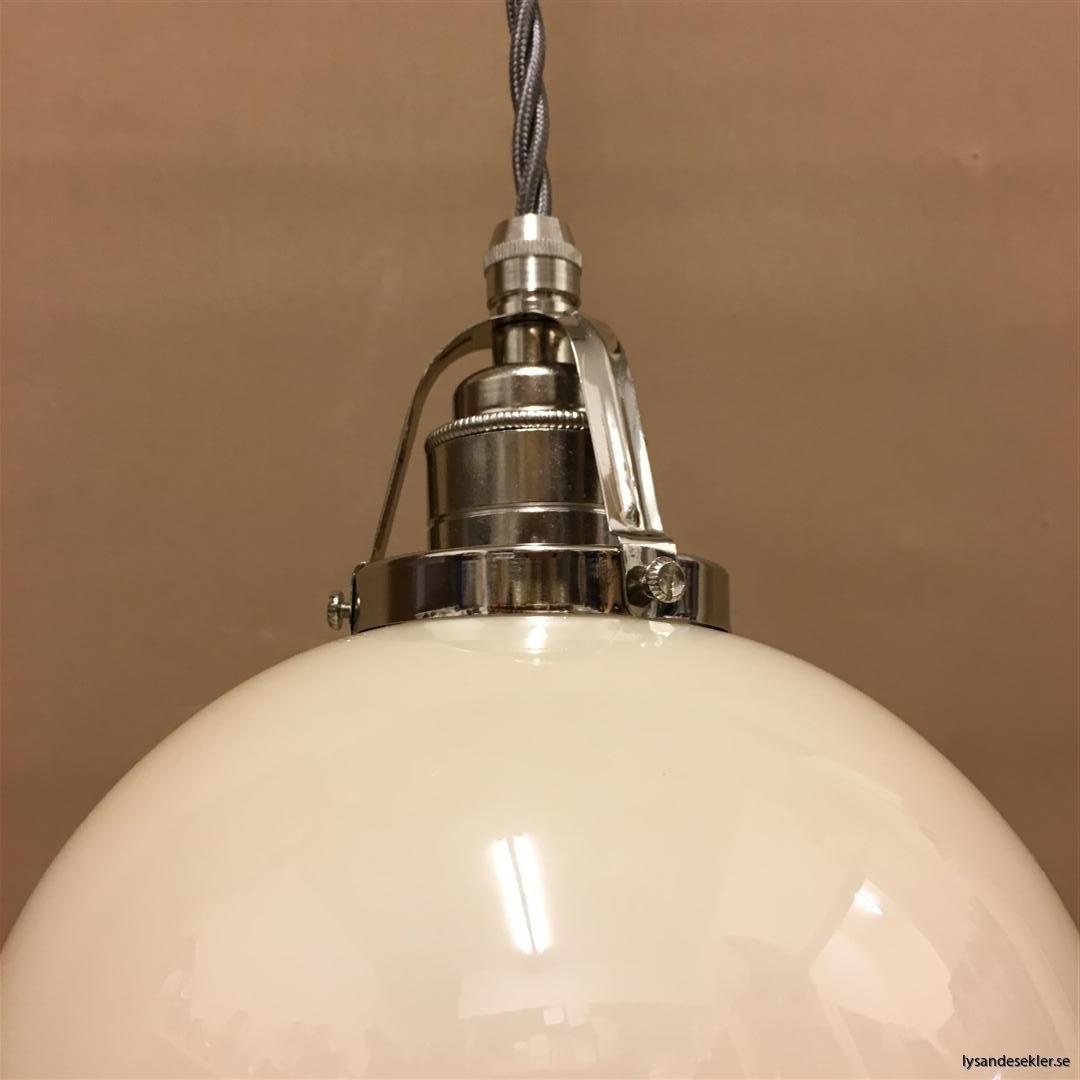 fönsterlampa i tygsladd nicklat fäste (156)