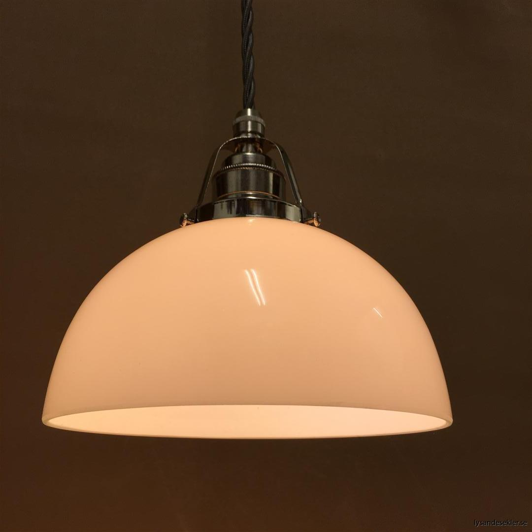 fönsterlampa i tygsladd nicklat fäste (109)