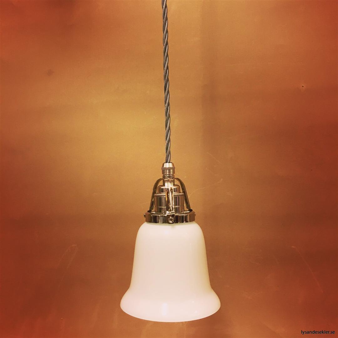 fönsterlampa i tygsladd nicklat fäste (78)