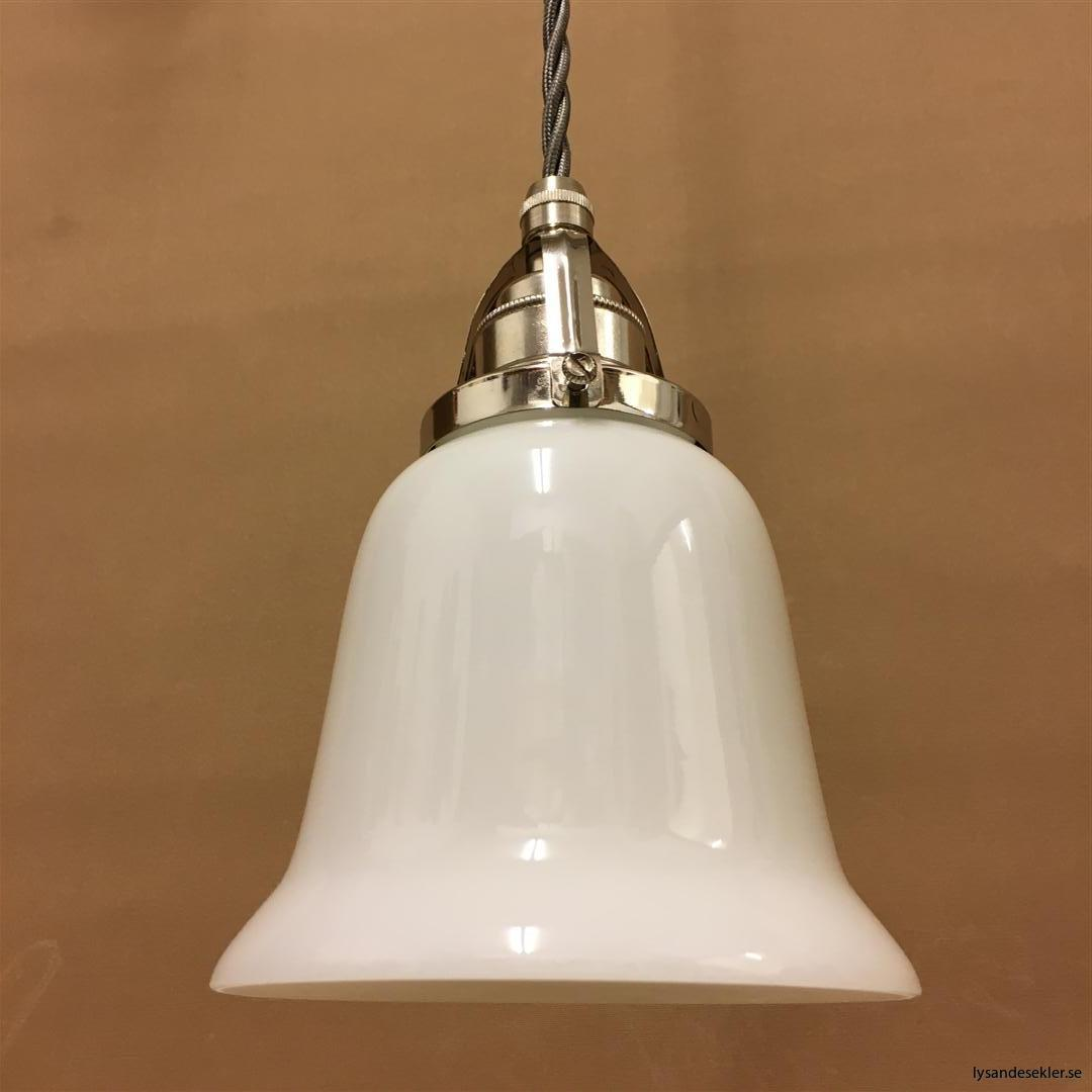 fönsterlampa i tygsladd nicklat fäste (81)