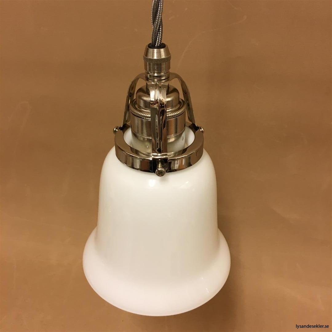 fönsterlampa i tygsladd nicklat fäste (83)