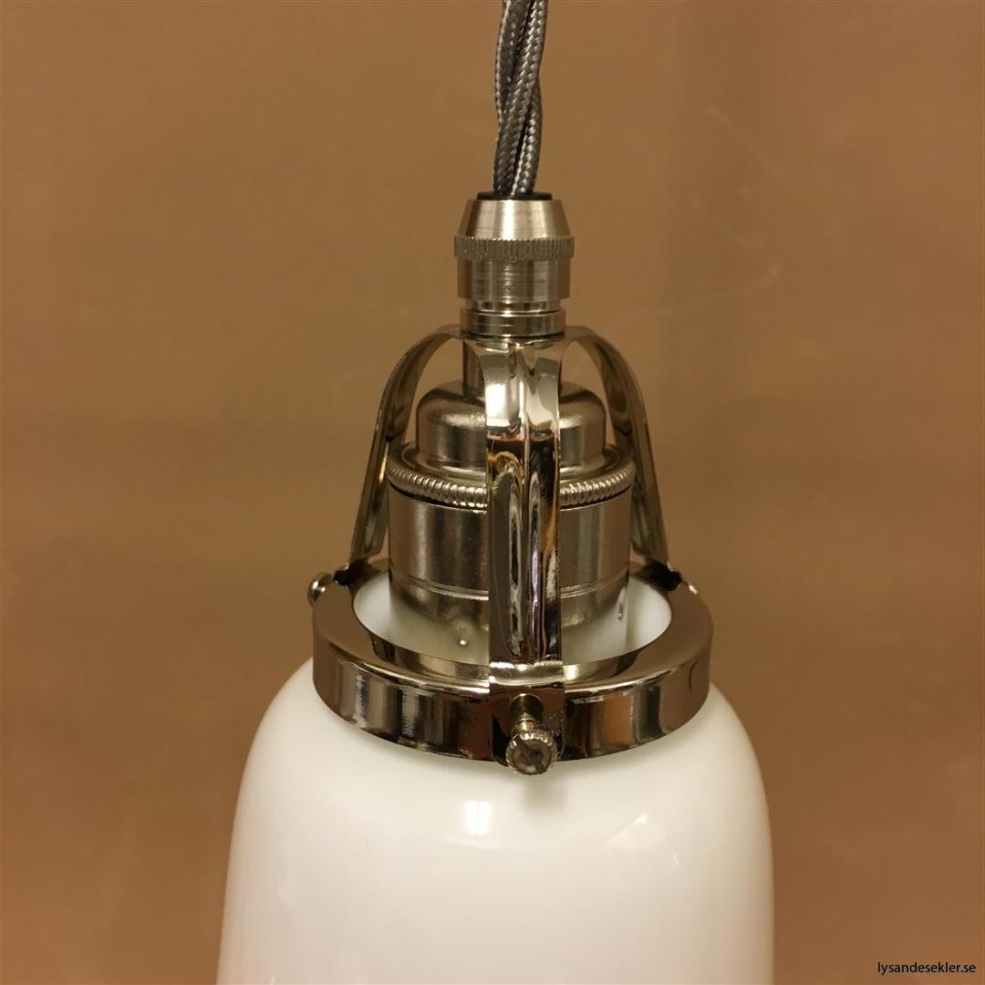 fönsterlampa i tygsladd nicklat fäste (84)