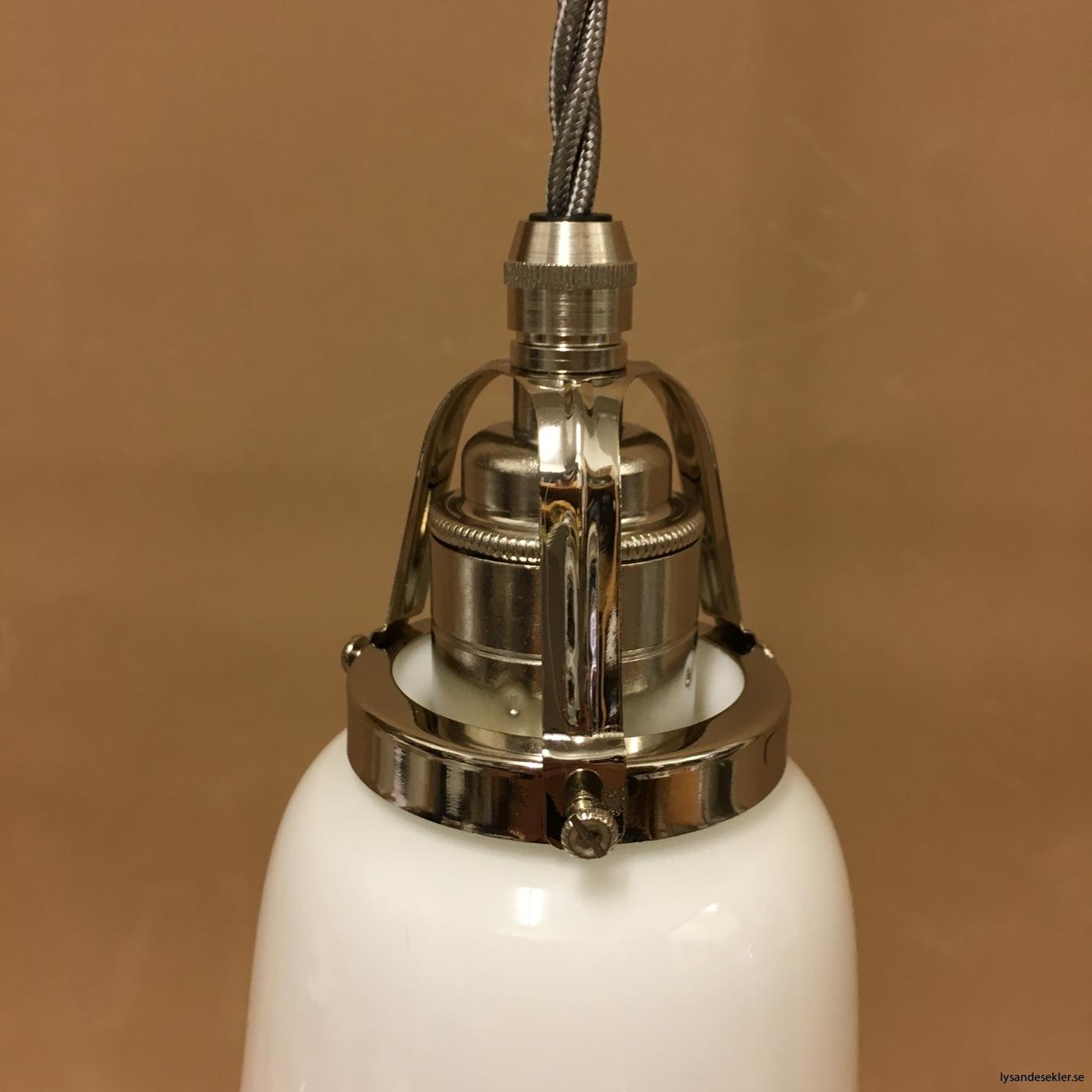 fönsterlampa i tygsladd nicklat fäste (85)