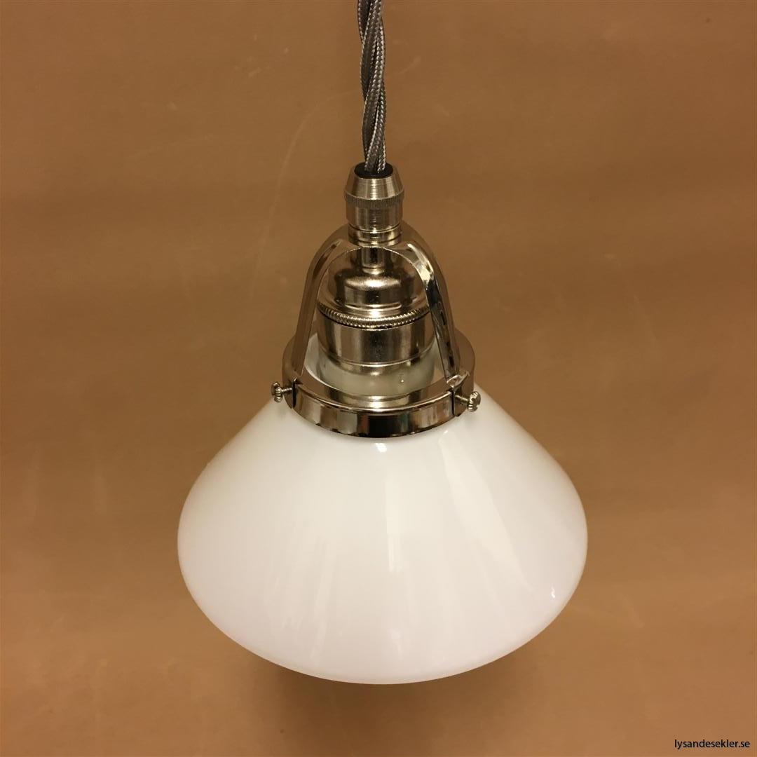fönsterlampa i tygsladd nicklat fäste (112)