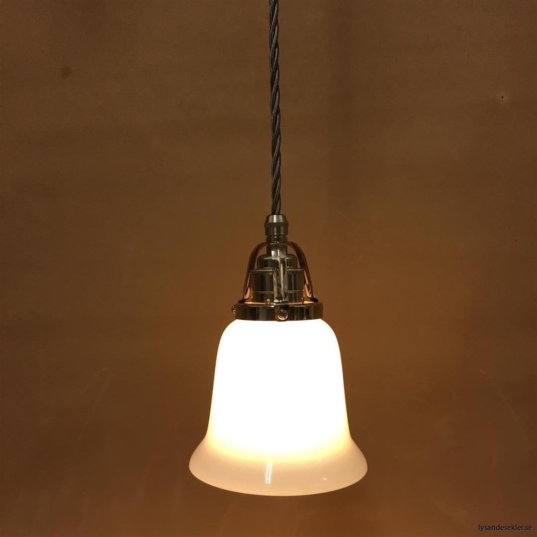 fönsterlampa i tygsladd nicklat fäste (86)