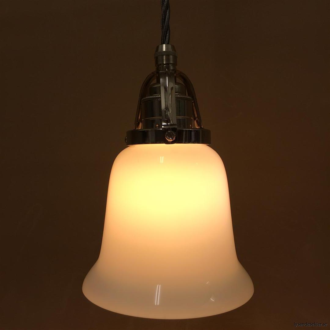 fönsterlampa i tygsladd nicklat fäste (87)