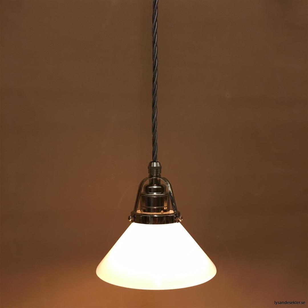 fönsterlampa i tygsladd nicklat fäste (115)