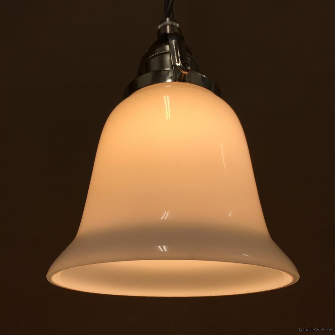 fönsterlampa i tygsladd nicklat fäste (89)