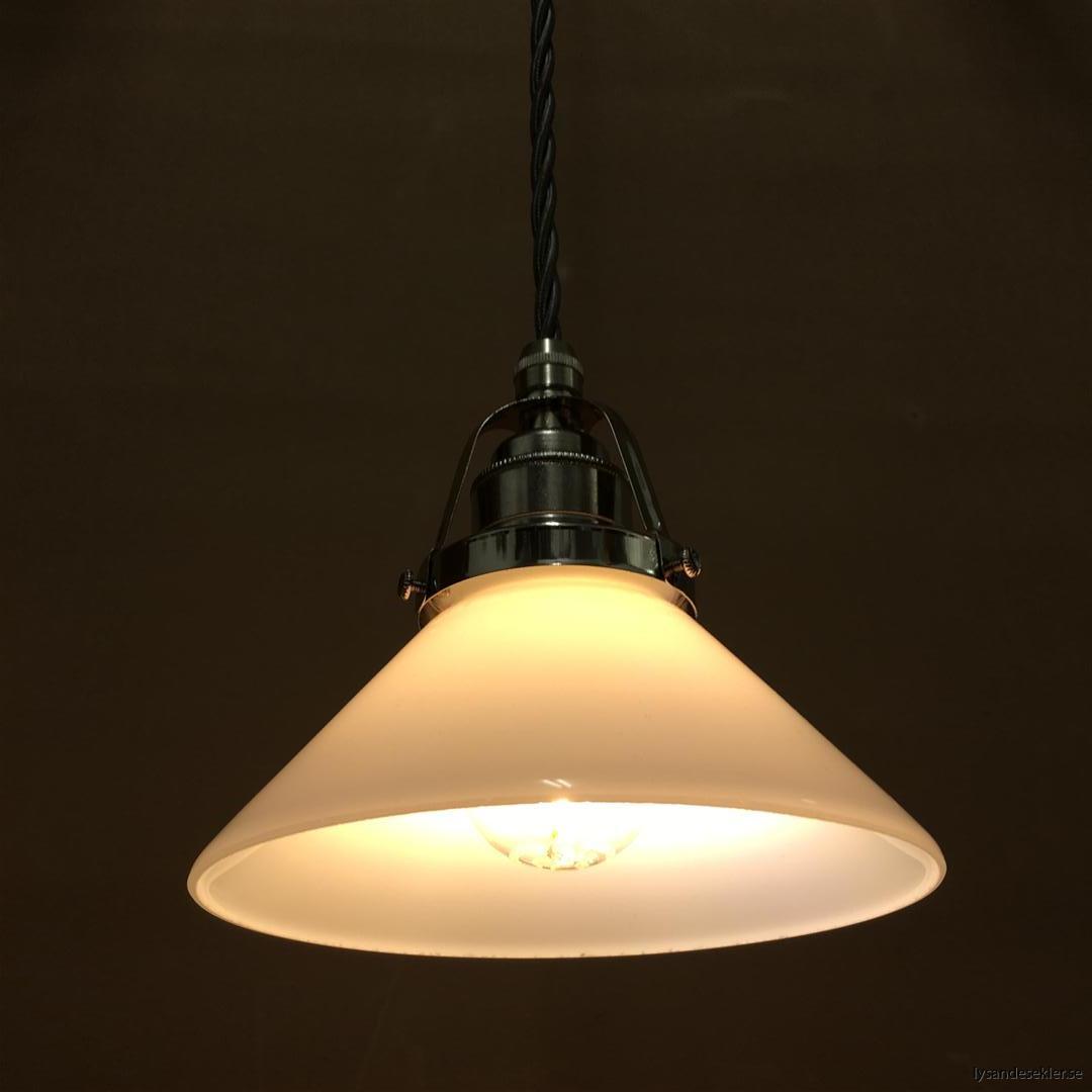 fönsterlampa i tygsladd nicklat fäste (118)