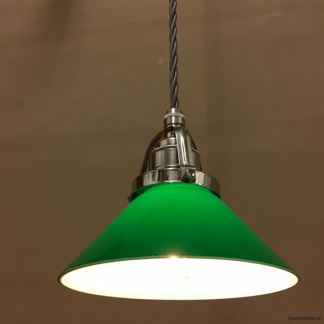 fönsterlampa i tygsladd nicklat fäste (40)