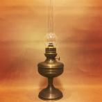 Hög antikoxiderad lampa på fot (äldre)