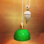 Hisslampa vitt porslin med skålformad grön klockskärm