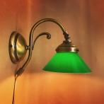 Vägglampa jugend med liten mörkgrön skomakarskärm