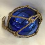 Glaskula i nät blå 15 cm i diameter