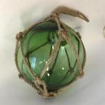 Glaskula i nät grön 15 cm i diameter