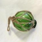 Glaskula i nät grön 5 cm i diameter