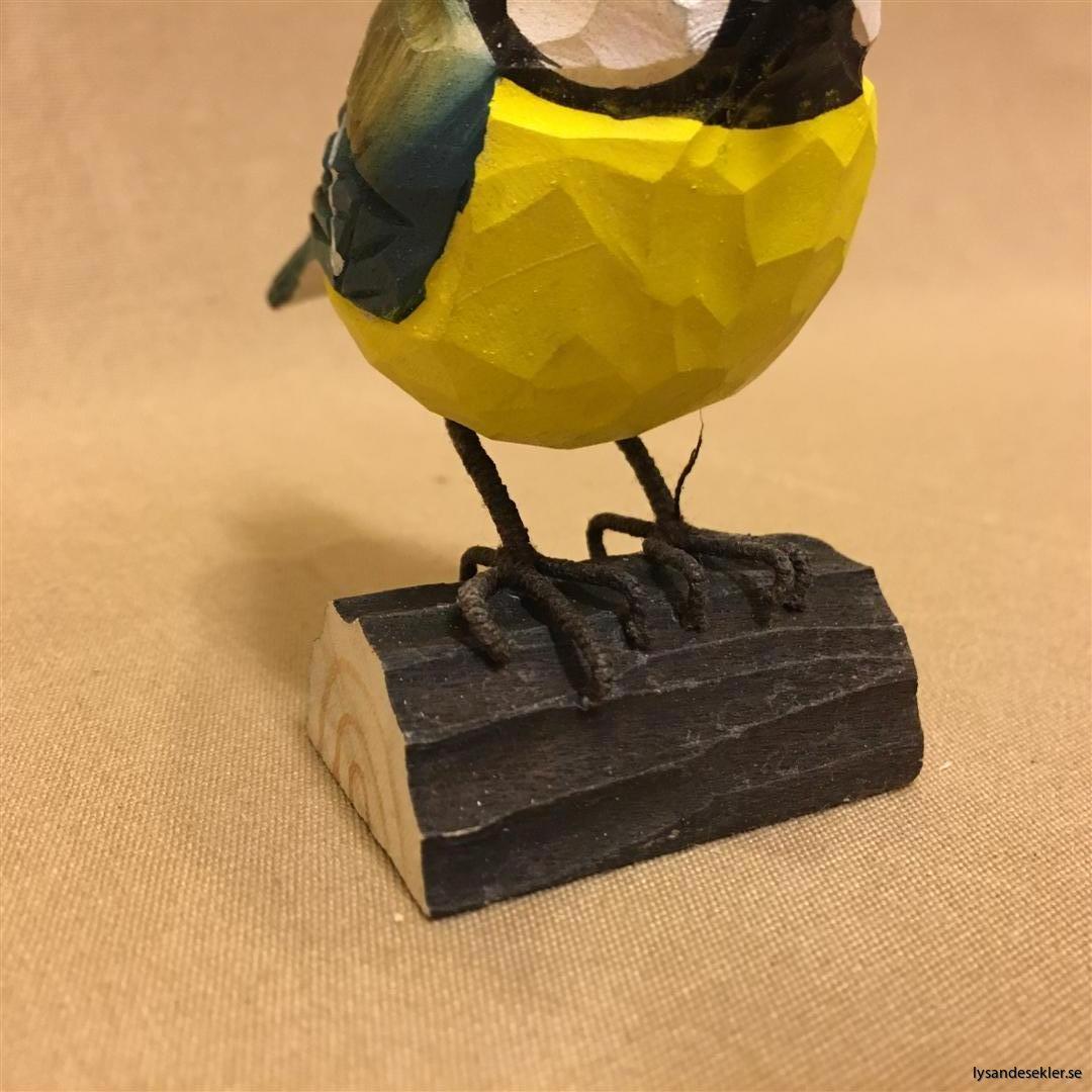 handsnidad blåmes fågel trä dekoration