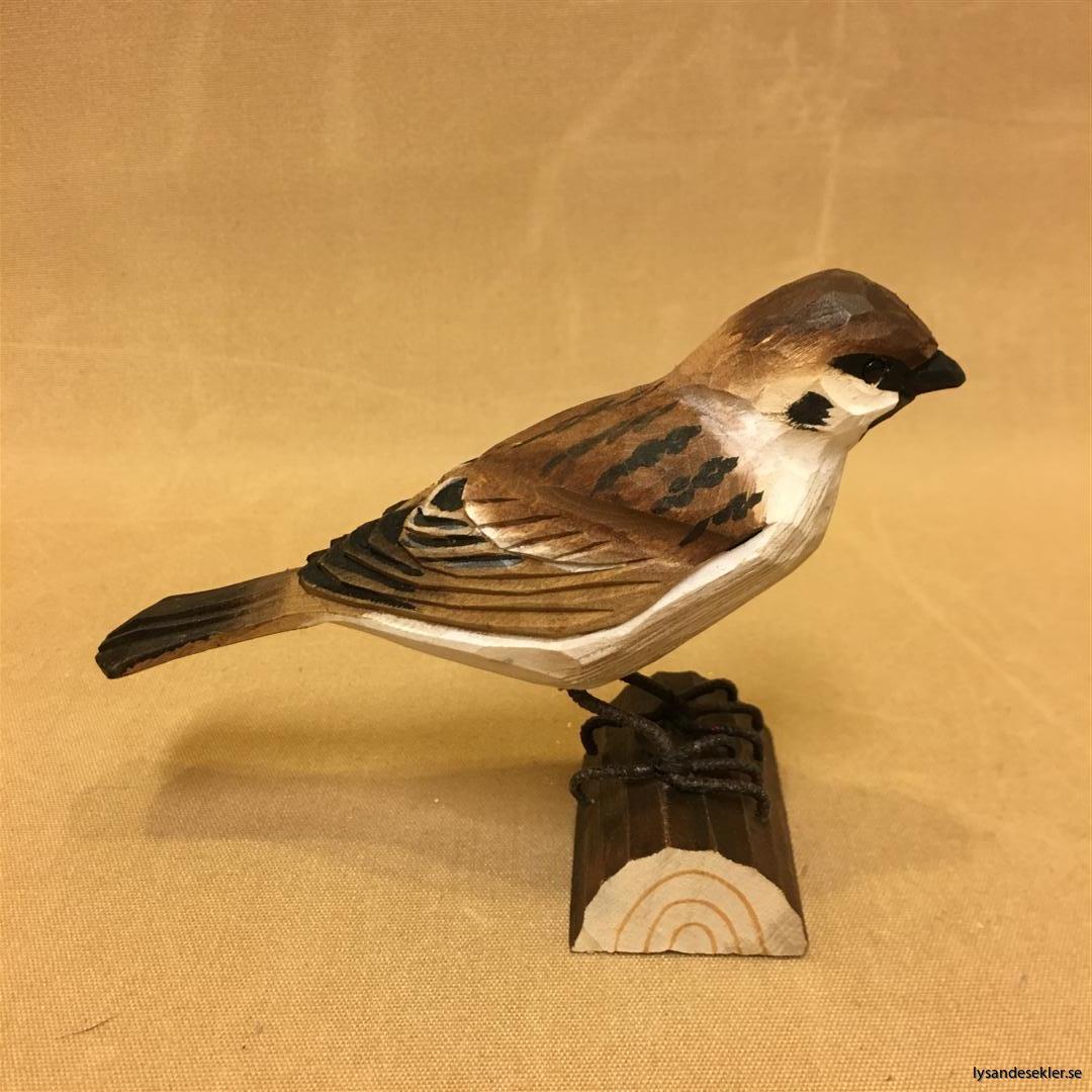 pilfink handsnidad  i naturlig storlek talgoxe trä fågel snidad dekoration